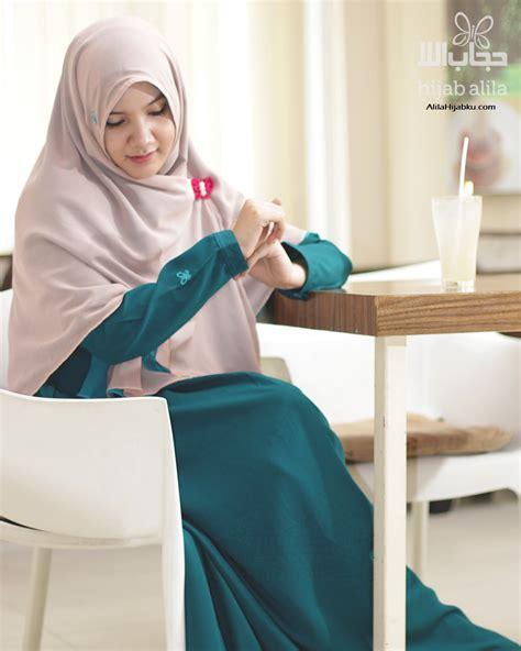 Busana Muslim Batik Paramita Gamis Syari 27 inspirasi model baju gamis syar i stylish dan modern