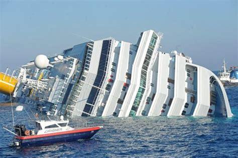 barco hundiendose animado los peores naufragios ocurridos en europa en los 250 ltimos