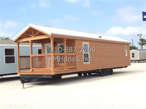 hunting cabin small trailer home manufactured homes tiny 1 bedroom tiny cabin with porch manufactured homes tiny