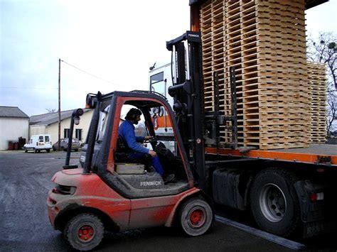 Idées Palettes Bois by Recyclage Des Palettes De Bois 201 Conomie Solidaire