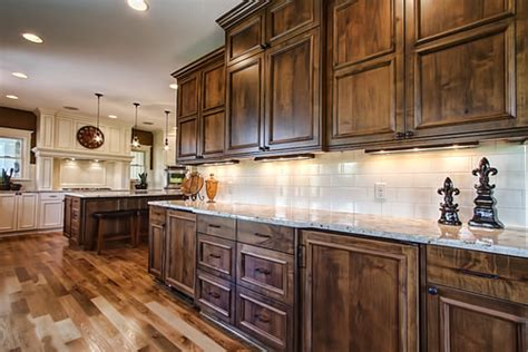 stained wood kitchen cabinets what type of wood are these beautiful stained cabinets