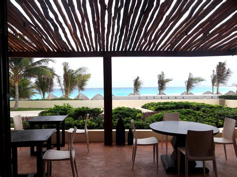 outdoor cuisine hyatt regency cancun inside and out giddy for points
