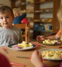 alimentazione vegetariana per bambini dieta vegana e vegetariana per i bambini i pediatri dicono no