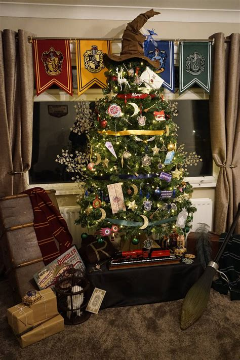 harry potter christmas decorating ideas harry potter themed tree decorated by kathryn burnett creates magic wall of wonders