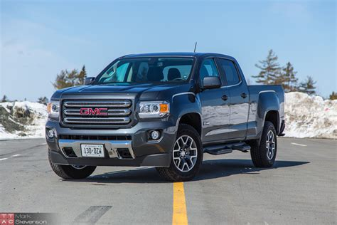 gmc canyon bed size 2015 gmc canyon sle 4x4 v6 review full size experience