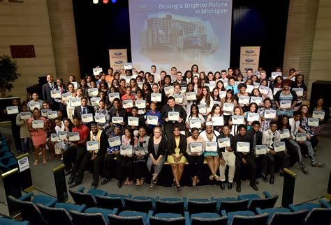 Ford Blue Oval Scholarship Mba by Ford Fund Awards Blue Oval Scholars With 100k In