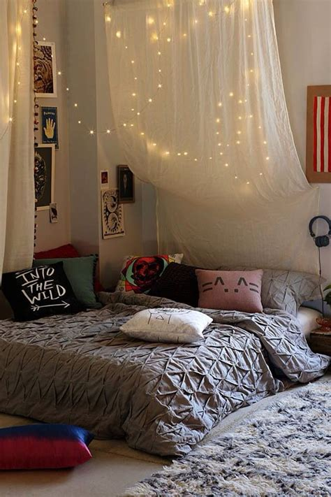 How You Can Use String Lights To Make Your Bedroom Look Dreamy String Lights For Room