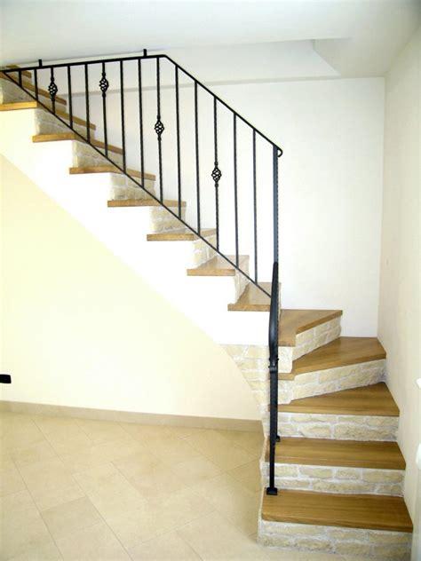 ringhiere in legno per interni ringhiere per scale interne in legno rod rg ringhiere per