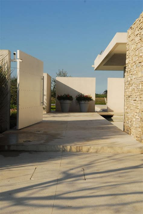 modern day architecture serene modern day architecture in the suburbs of buenos aires agua residence decor advisor