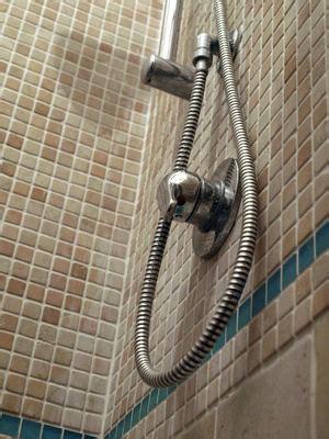 Badezimmer Fliesen Schnell Reinigen by Fliesen Reinigen In Bad Und K 252 Che Haushaltstipps Und