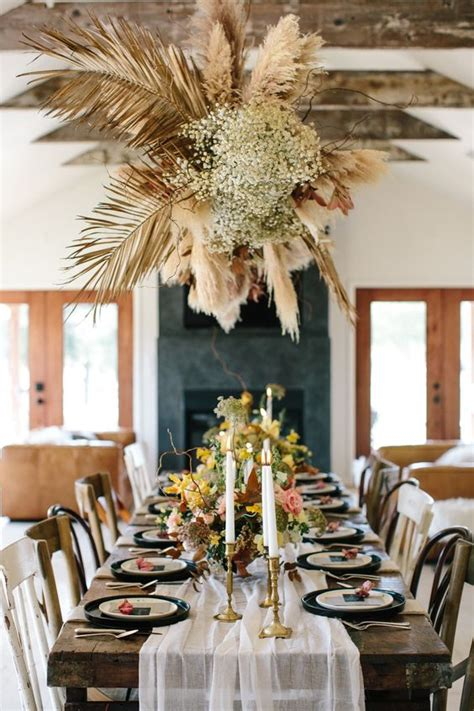 hottest wedding trend  dried flower ideas