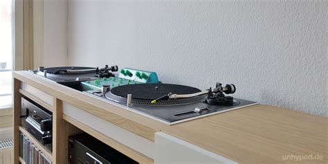 Regal Plattenspieler by Diy Dj M 246 Bel Aus Ikea S Besta Serie Dj Dj Table And