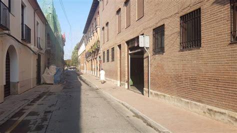 calle escritorios alcala de henares la calle escritorios luce ya una acera m 225 s ancha