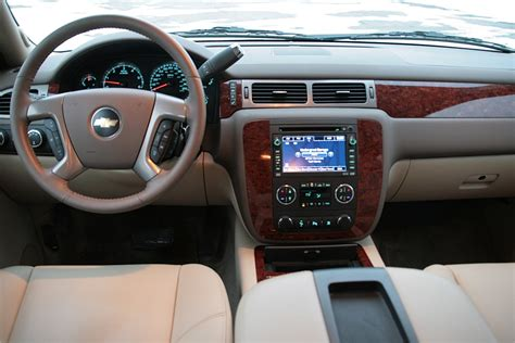 2009 Tahoe Interior by Review 2009 Chevy Tahoe Ltz 6 2l 4x4 Photo Gallery Autoblog