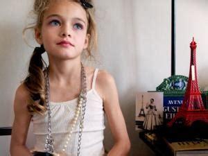 model girl looks illegal d 233 bat anim 233 autour de la lingerie pour petites filles par