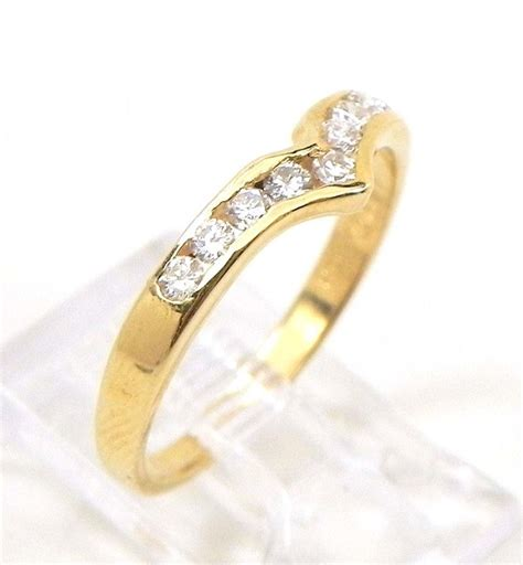wedding rings with engraved gold v shaped wedding rings