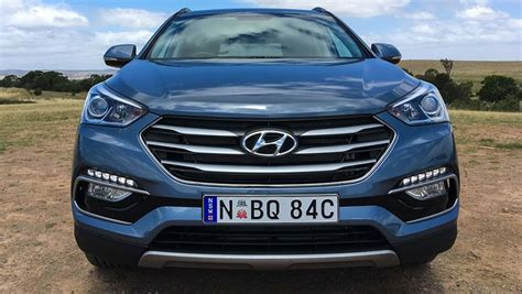 hyundai santa fe specials hyundai santa fe 30 special edition v6 2017 review carsguide