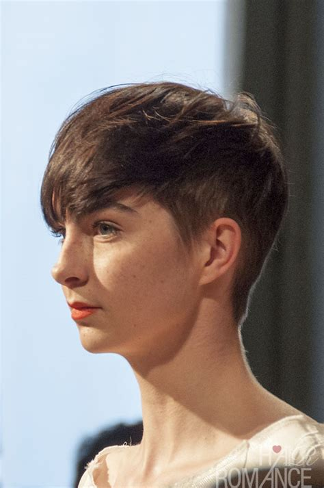 clothing style with short hair cut short cut saturday haircut inspiration hair romance
