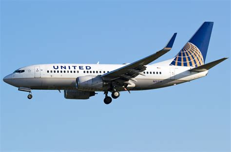 united flight boeing 737 700 united airlines photos and description of