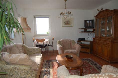 wohnzimmer 45 qm helle freundliche ferienwohnung bis 2 personen 45 qm