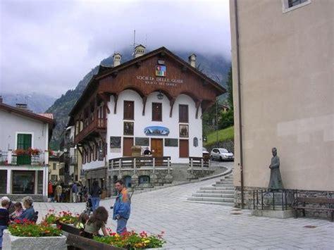 courmayeur ufficio turismo vacanze montagna courmayeur monte bianco valle d aosta