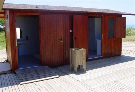 modulo independientes wc lavabos publicos de madera todo en equipamiento de