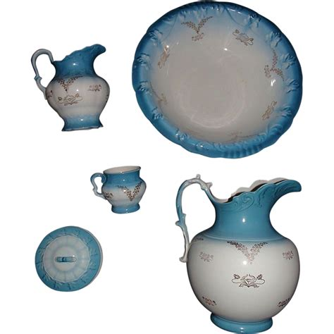 17078 Set Bottom gold stenciled washbowl pitcher 5 pc set made by quot k t k