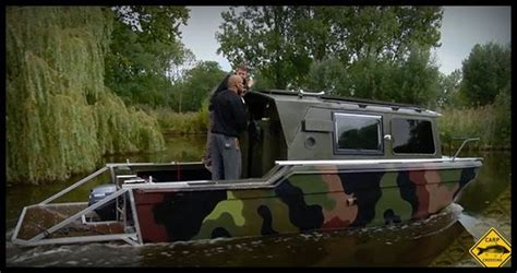 ed on a boat boat fishing for carp on uk carp tv carp crossing website