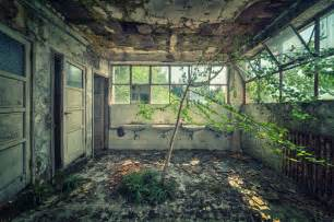 Abandoned Buildings by 33 Beautiful Abandoned Places Ozonweb By Ozon Magazine