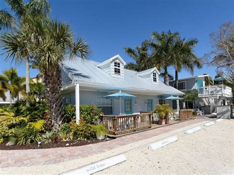11 of florida s most charming beachfront cottages