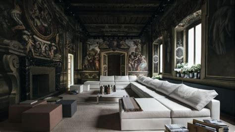 italian high fashion house bottega veneta launches