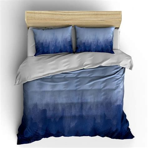Blue Quilts And Comforters by 25 Best Ideas About Navy Blue Comforter On