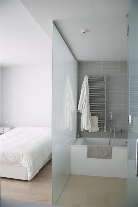 frosted glass in bathroom 25 best ideas about glass bathroom on pinterest modern
