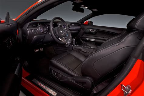 interior of mustang 2015 2015 ford mustang dash photo 15