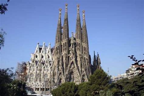 sagrada familia entrada gratuita un recorrido por los edificios de gaud 237 en barcelona nexofin