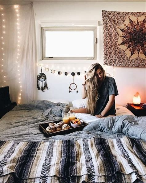 20 dreamy boho room decor ideas best 25 bohemian bedroom decor ideas on pinterest hippy