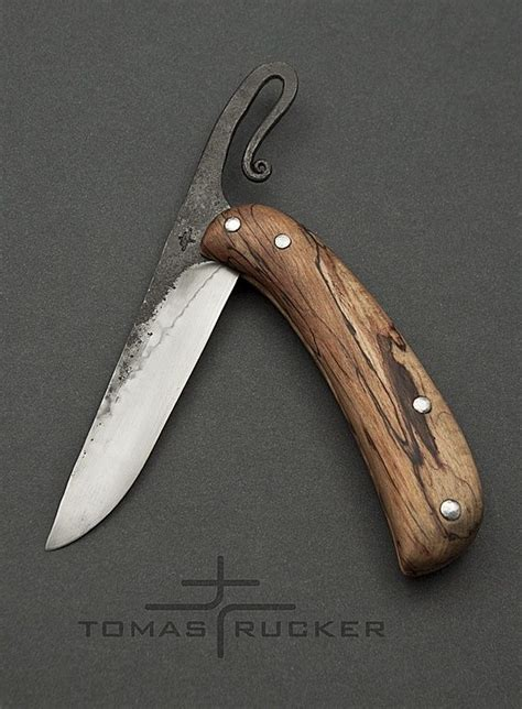 Handmade Knife Makers - custom handmade knives tomas rucker knife