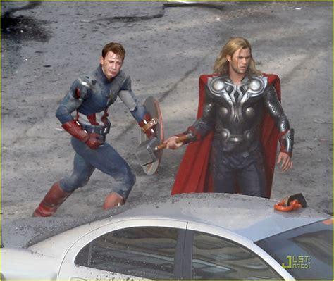 chris hemsworth on captain america movie where was the chris hemsworth chris evans avengers fight scene
