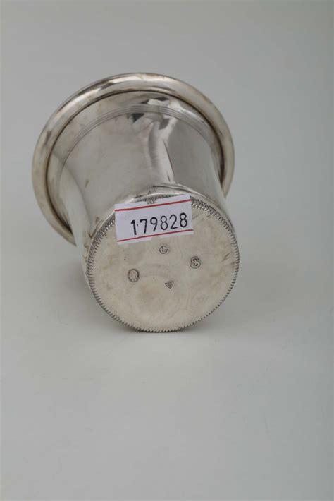 bicchieri argento bicchiere in argento sbalzato e cesellato con applicazione