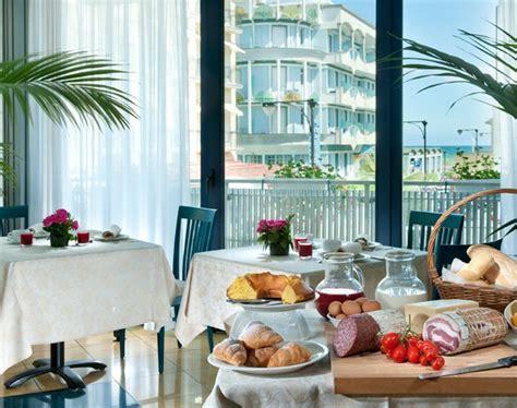 hotel il gabbiano cattolica hotel gabbiano 4 stelle cattolica adriatico hotels