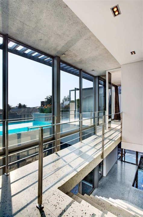 Modern House with Impressive Ocean Views