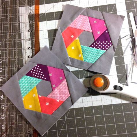 Paper Piecing Patchwork - cotton and steel woven hexagon quilt blocks with pattern