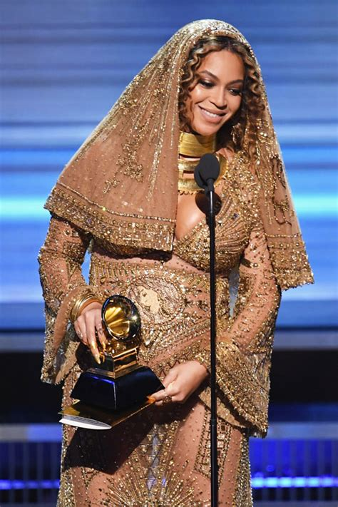 beyonce grammys beyonc 233 descends upon the grammy awards bestows her
