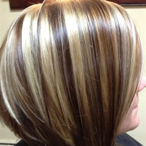15. Braune Haare mit Chunky Blonde Strähnen   Haare.CO