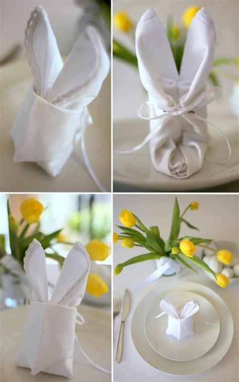 Servietten Falten Ostern Tischdeko by Festliche Tischdeko Zu Ostern Typische Ostersymbole Auf