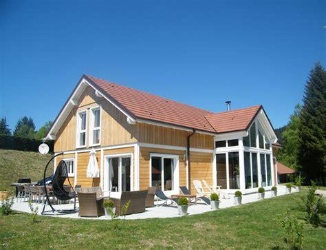 grande maison bois familiale avec verri 232 re nos maisons ossatures bois maison 2 pans