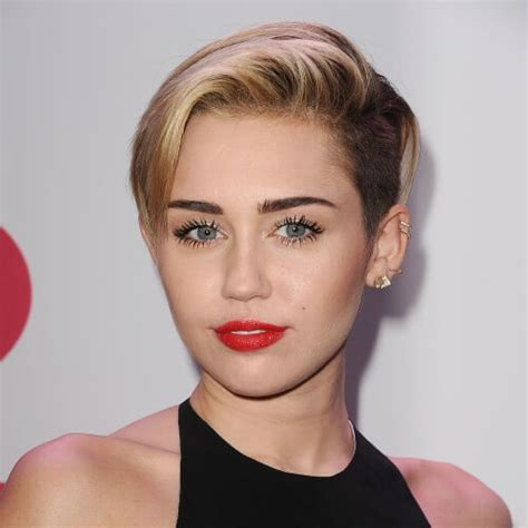 cyrus name hair cut miley cyrus haircut with soft pink accents hair motive