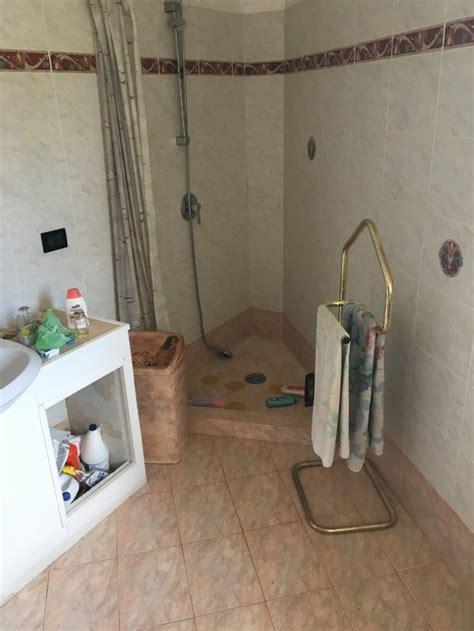 piatto doccia triangolare bagno triangolare e doccia in angolo quot acuto quot help