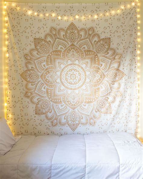 tapestries for rooms best 25 tapestry bedroom ideas on tapestry bedroom boho boho room and bohemian room
