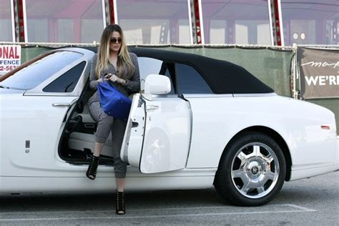 roll royce celebrity khloe kardashian cruises in the drophead coupe celebrity